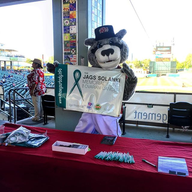 #TeamJags representing at the @rivercats baseball game last night. Thank you for everyone's support and thank you for helping us bring #ovarian #cancer #awareness to Sacramento. #live #fight #survive