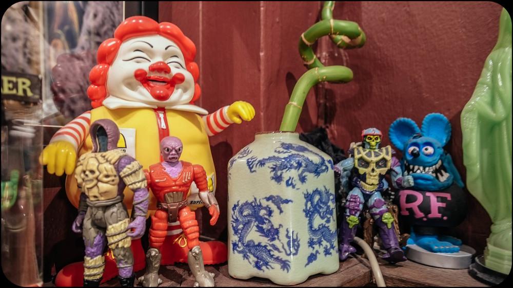Bangkok tattoo figurines