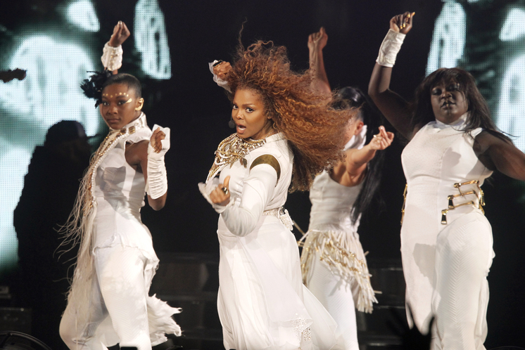 janet-jackson-performs-live-20.jpg