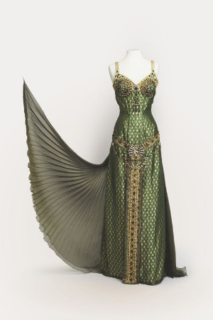 24 Fierce Gowns that Scream World Domination.    Awesome and unique gowns to inspire your creativity.