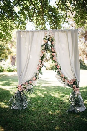 40 Elegant Ways to Decorate Your Wedding with Floral Garlands. Beautiful Wedding Floral ideas to inspire your decor.
