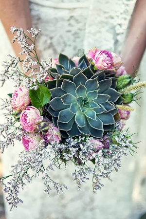 30 Wedding Bouquets the are Beautiful and Unique.  Be inspired by these different and gorgeous bouquets.