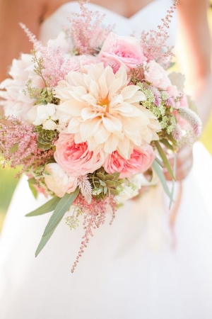 12 Stunning Wedding Bouquets by Belle Magazine. Create the bouquet of your dreams with these inspirational pictures.