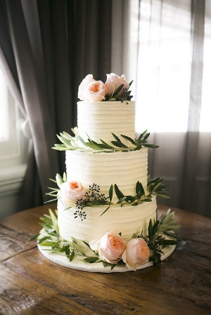 Beautiful Summer Wedding Cakes. A collection of wedding cakes and desserts to inspire your wedding planning.