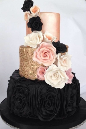 25 Greatest Metallic Wedding Cakes. Amazing metallic designs for an elegant wedding.
