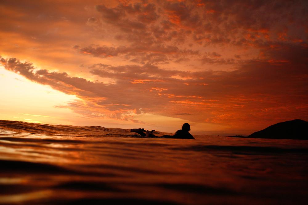 Silohuette_of_Surfer.jpg
