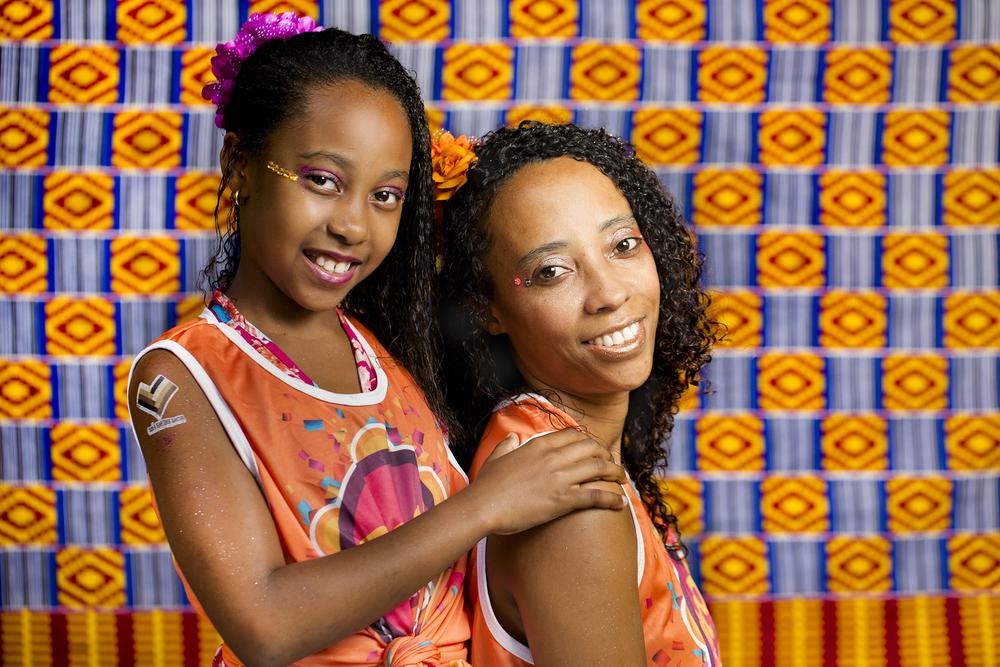 Só que nos outros 362 dias do ano, as mulheres de origem africana no Brasil carregam o peso e o estigma do racismo, da exploração no mercado de trabalho,