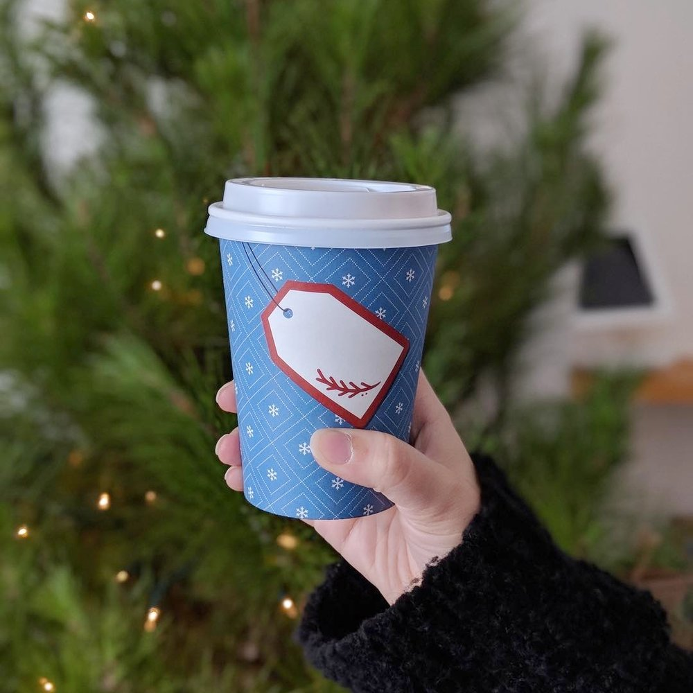 cheerfull-holiday-gift-paper-coffee-cup-design-present