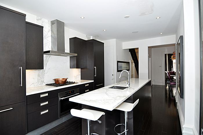kitchen_700.jpg