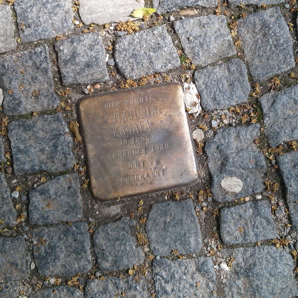 Here lived / Viktoria Kanafa / year of birth 1895 /Murdered 1940 / Place / Unknown