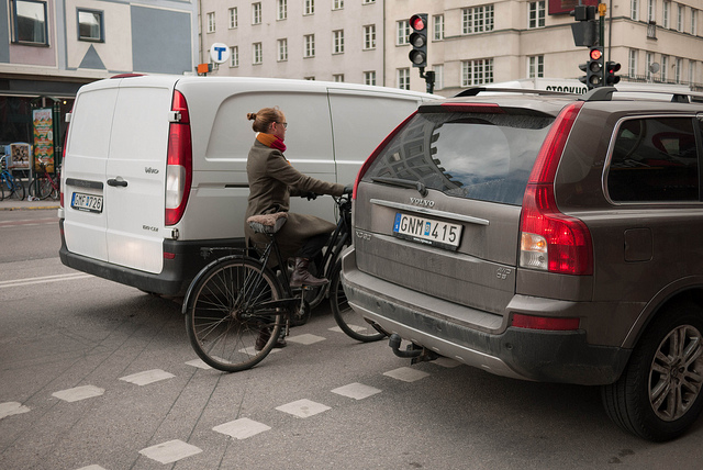 Car bicycle interaction in Stockholm. Picture by Jeroen Wolfers, licensed under Creative Commons