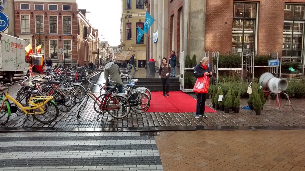 Red carpet prevents cyclists from parking. Picture: Lior Steinberg