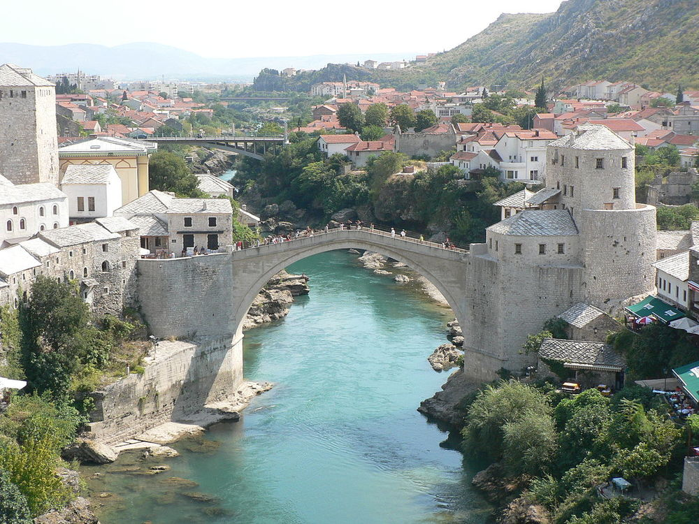 The Mostar Bridge is without a doubt the most famous attraction in the city. It is, however, just one of the barriers that divide the city. According to the exhibition does the social divide create spaces of no-mans-land. Photo by:  Alister Young