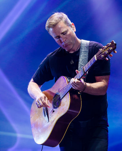 Sean McCann quit the wildly successful Canadian band Great Big Sea, which he helped found, when he realized his alcohol addiction had gotten out of control. Friday, he will speak at the Addiction Recovery Breakfast at the Hilton London to encourage others to find the strength to get sober.