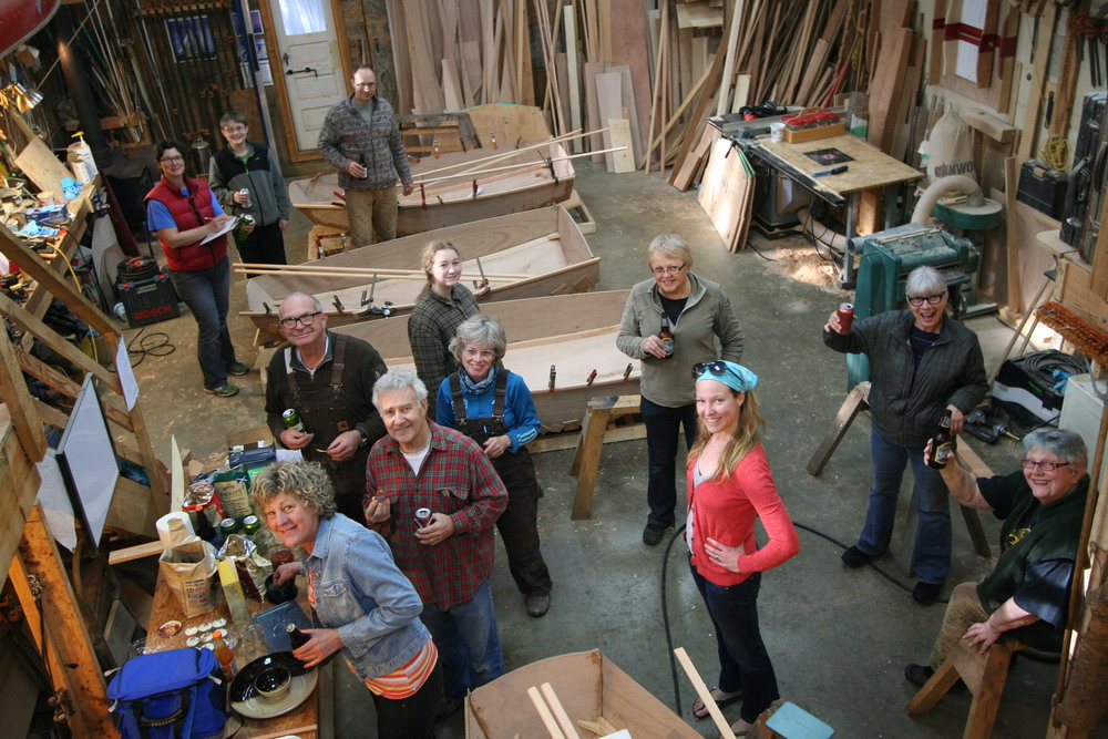 Last day and celibration of a Family Boatbuilding class.