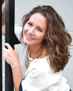 Kirsten Scott - Age 25 - Mezzo Soprano