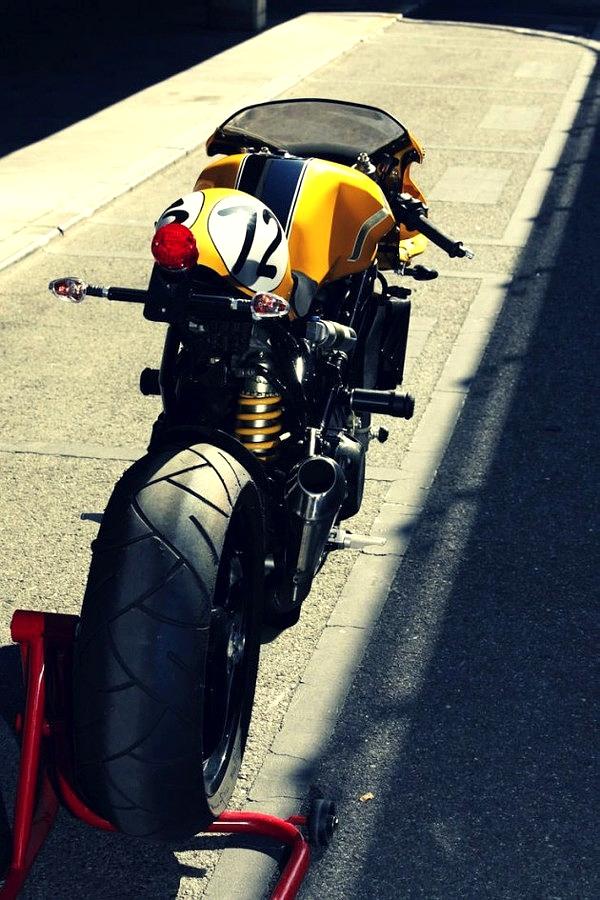 combustible-contraptions: Ducati Road Racer | Bikini Fairing | 944 Sport | Radical Ducati