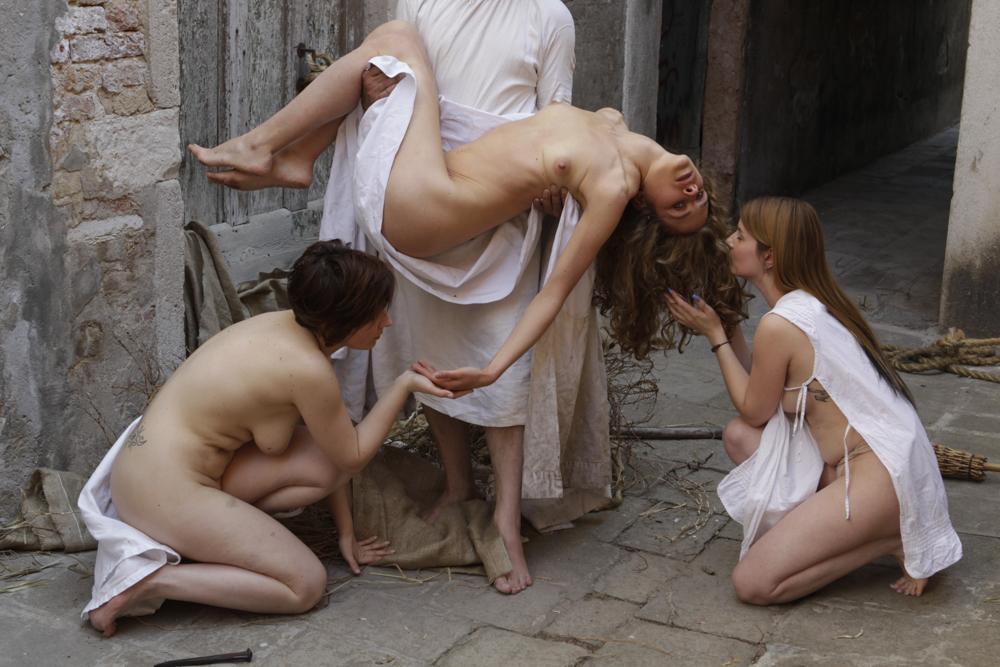 RequiemForWomen-3546.jpg