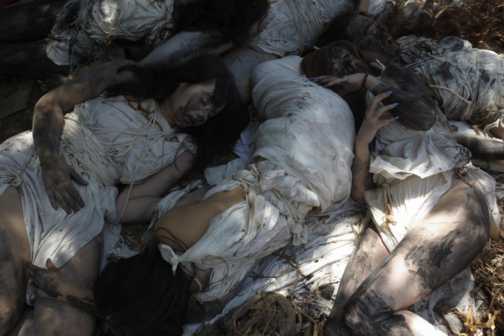 RequiemForWomen-7234.jpg