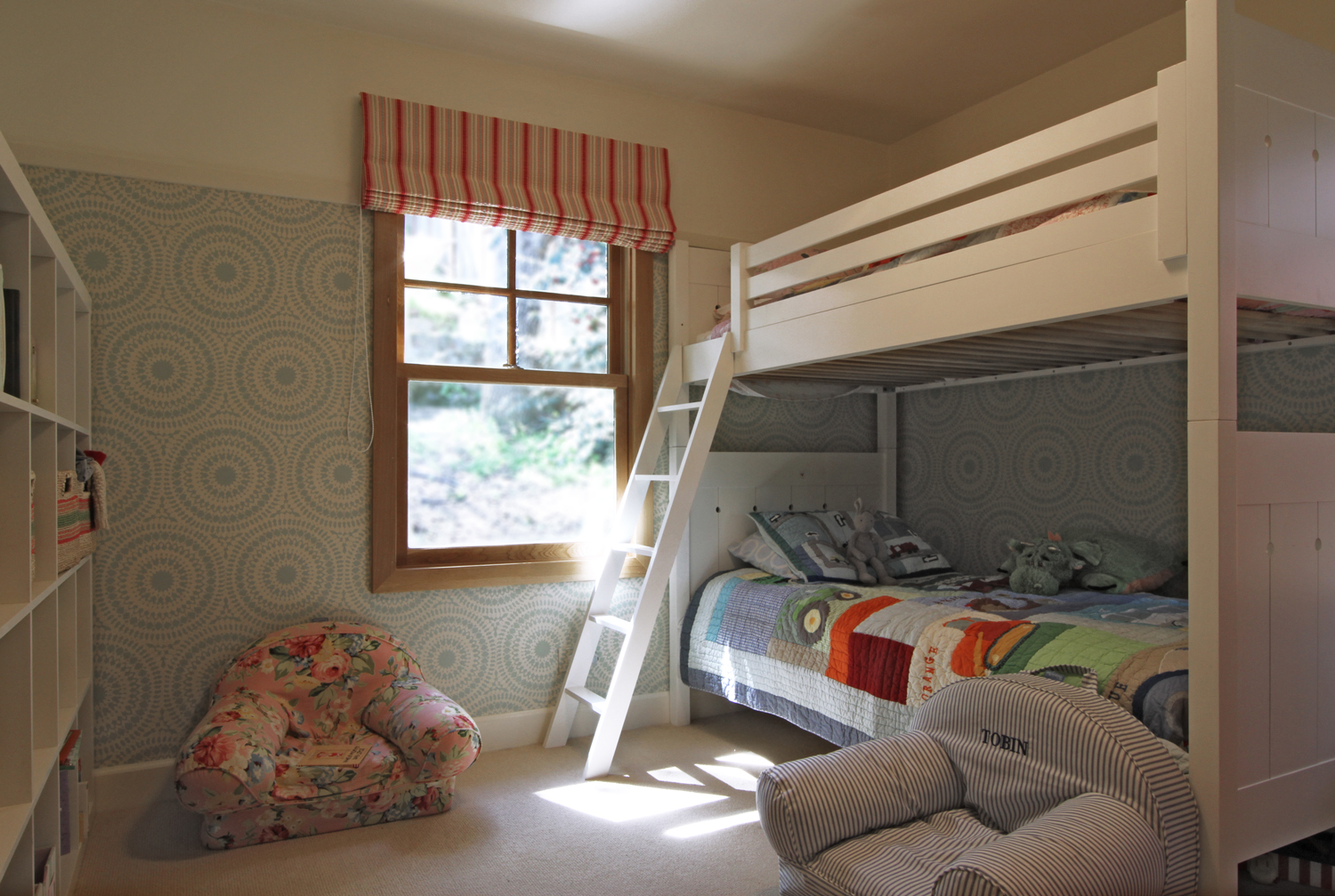 Small Spaces: A shared children\'s bedroom. — PENELOPE JONES ...