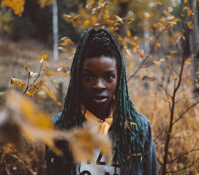 The fall colors in Alberta were incredible. We love this portrait of @adaezenoelle taken by @zmelhus. #socalitycamp