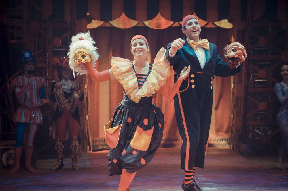 acrobuffos-madamemounsieur-masks-big_apple_circus.jpg