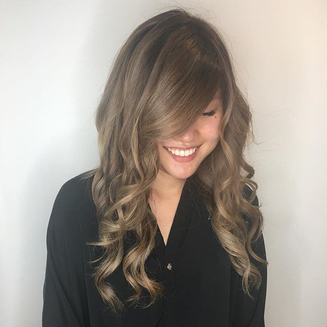 Happy clients are our specialty ! 😁😁😆#shineon#shinesalondanapoint #beachhair #danapoint #danapointhairsalon
