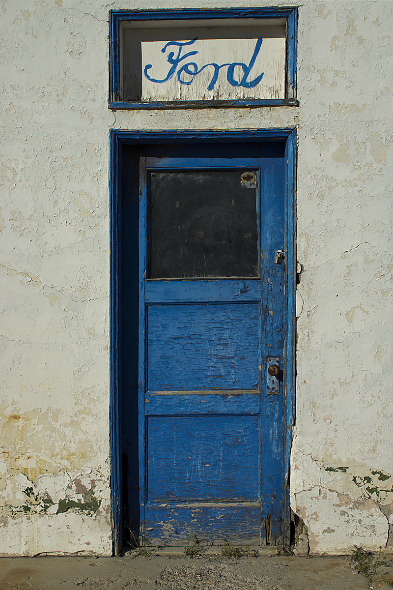Tonapah 2012-027 Blue Door