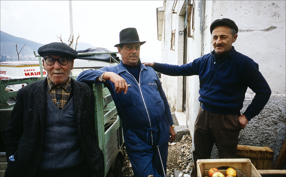 Produce Sellers, Sperlunga Italy 1971