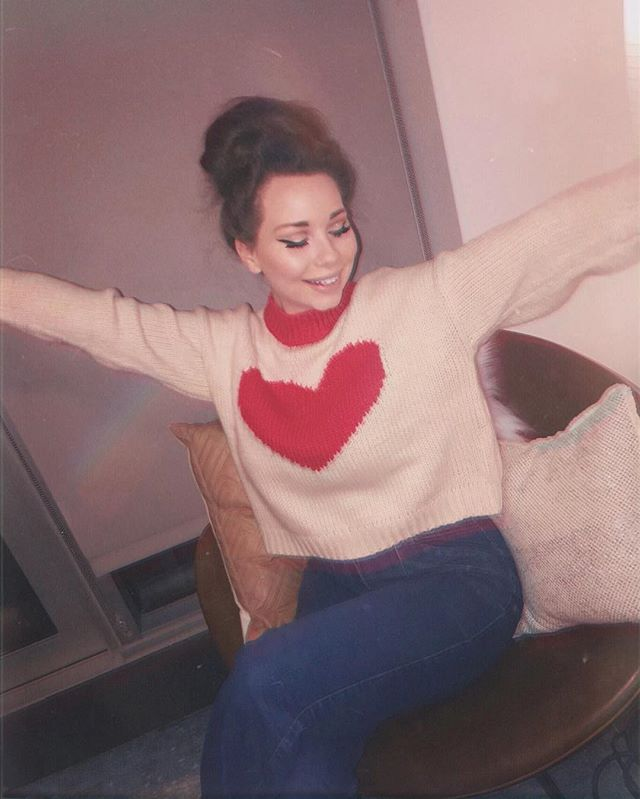 *actual size of heart exaggerated for picture*  happy  v a l e n t i n e s  day 🎀 : : : : : : : : : : : : : : : : #happyvalentinesday #dayoflove #countrymusic #artist #countryartist #singer #songwriter #vintage #60s #70s #vibe #retro #sweater #retrosweater #americana #folk #art #fade #oldies #forever21 #bellbottoms #flarejeans #highrisejeans #classiclook