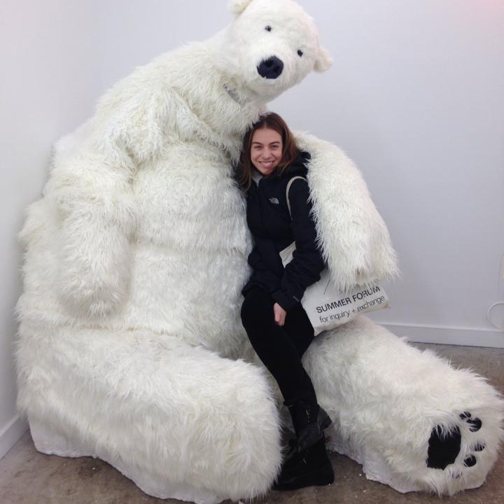 Sofia Leiby is avisual artist,writerand project-basedcuratorliving in Chicago.