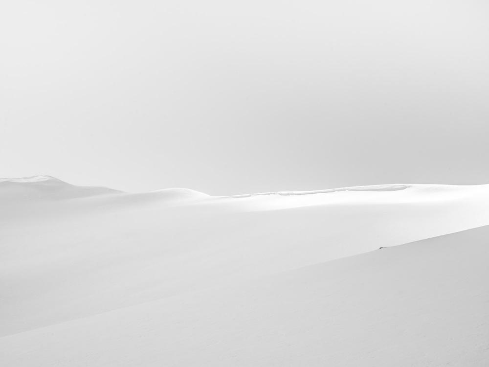 Heli-Skiing-BW2.JPG