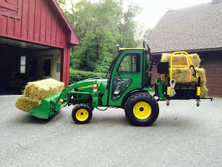 Moving some hay with the Bigtoolrack