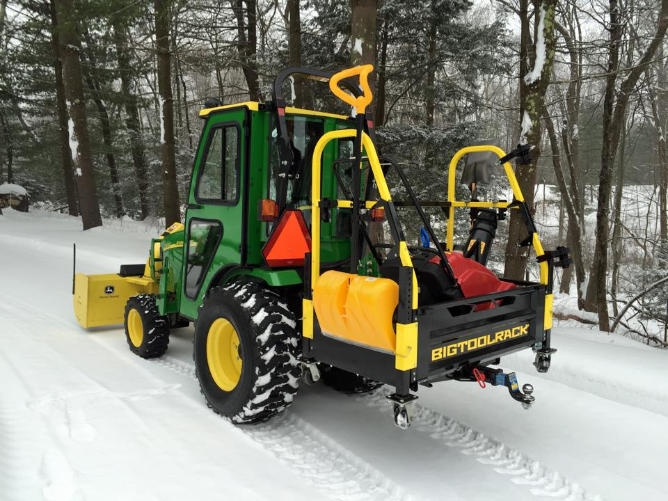John Deere 2520 Snowblower in BTR