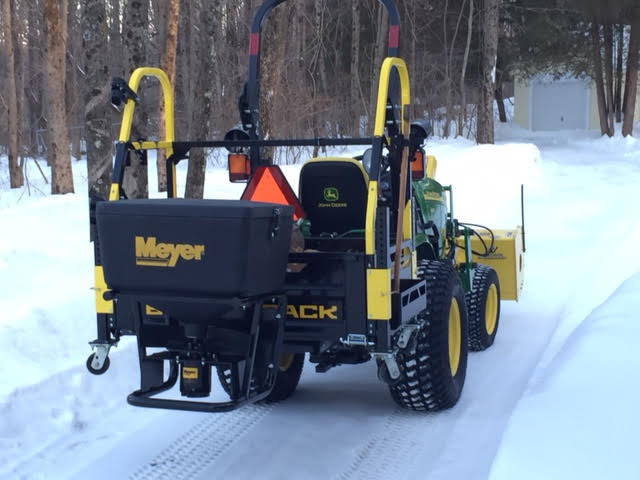 Bigtoolrack with a Meyer 240 Spreader attached