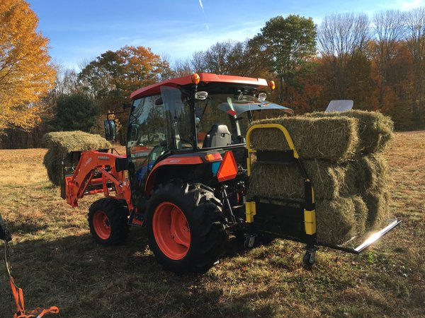 Kubota moving some hay with the Bigtoolrack