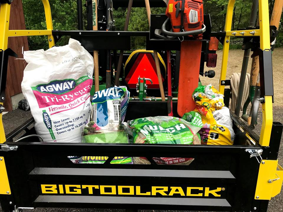 Bigtoolrack tractor cargo carrier