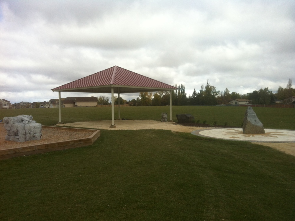 Dr. Jose Rizal Park, Winnipeg park shelter