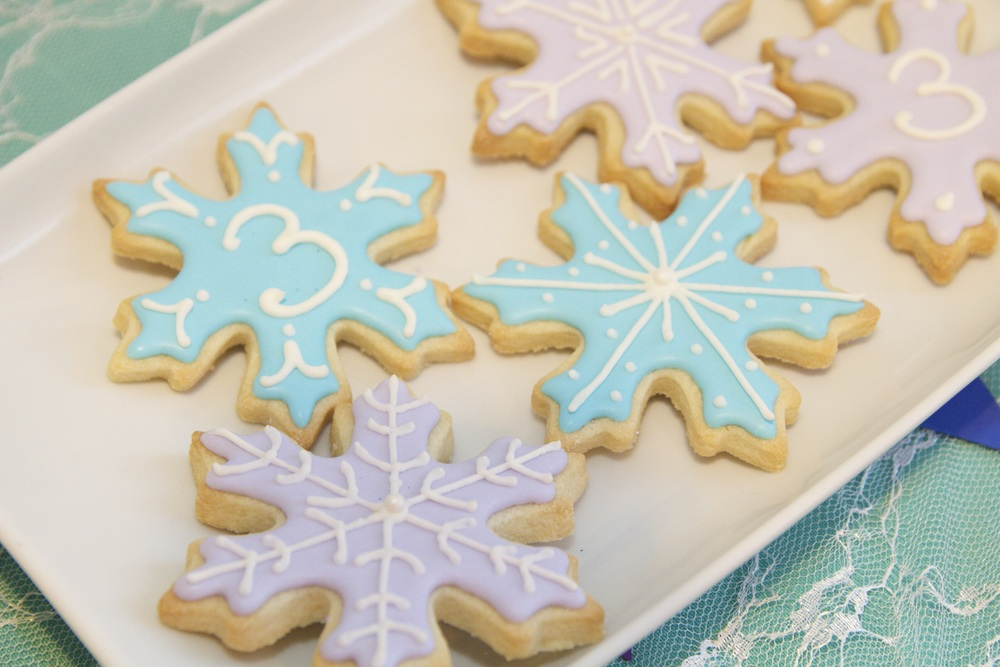 Snowflake cookies with my new fancy royal icing techniques