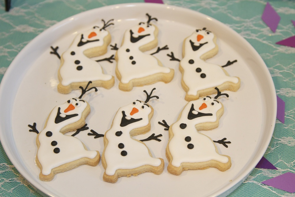 Olaf dancing cookies!