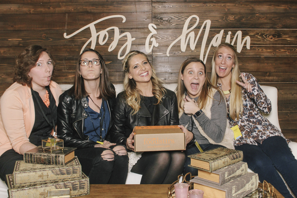 Sarah Michelle Gellar was all smiles while promoting her own company, Foodstirs.