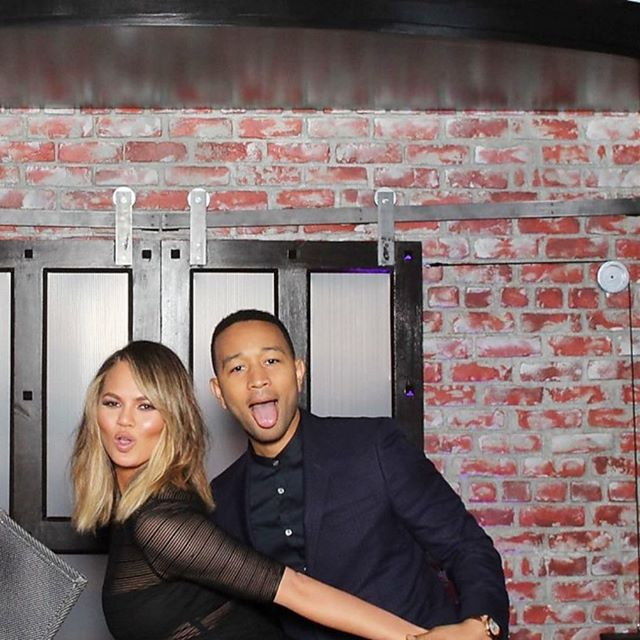 Lip sync battle: john legend and  chrissy teigen in the smilebooth