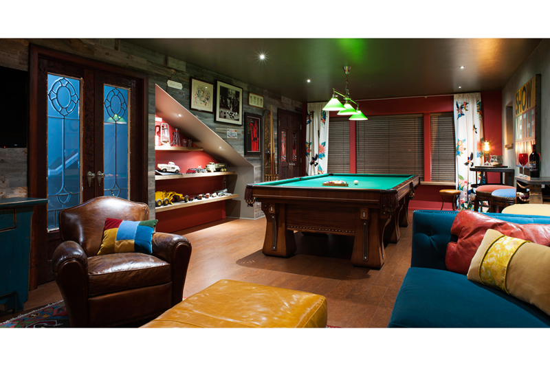 man-cave-billiards-room-with-reclaimed-woodx700.jpg