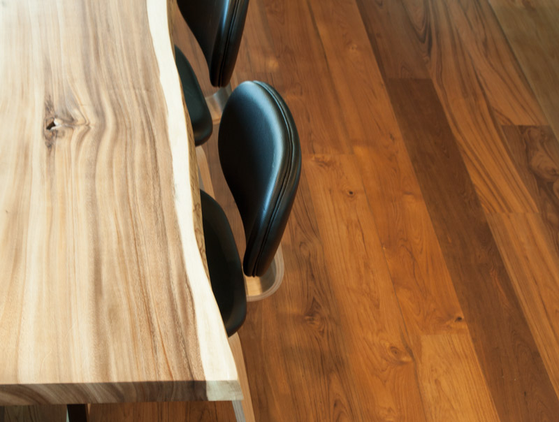 RECAIMED TEAK FLOOR