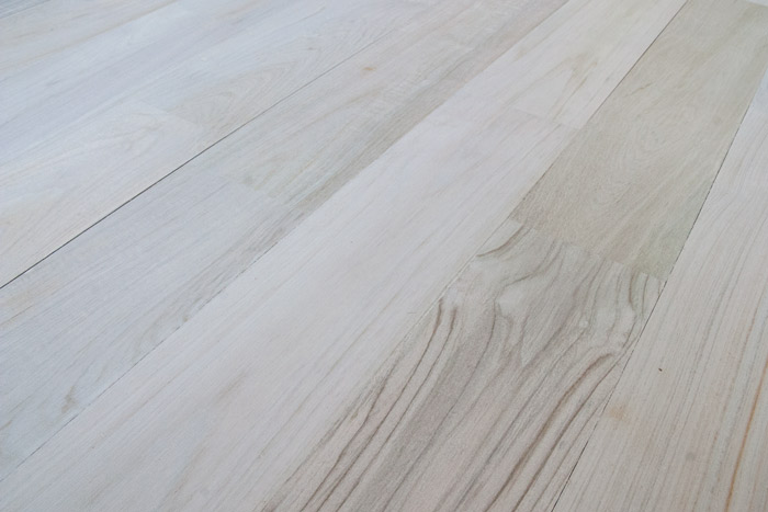 PEARLY RECLAIMED TEAK