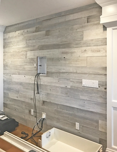 Stout S White Washed Reclaimed Wood Wall Paneling