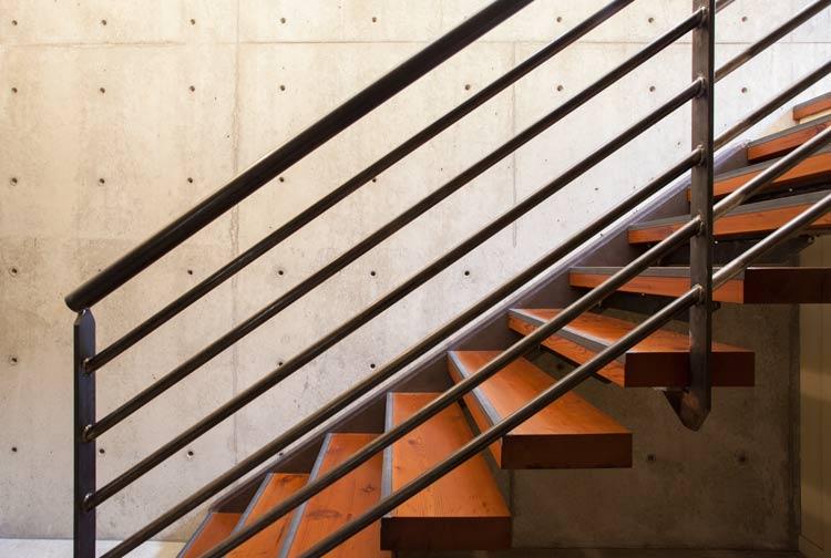 _MG_1094-stairs-m.jpg
