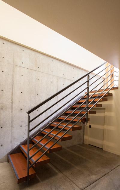1087-stairs-m.jpg