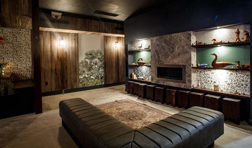 lounge-reclaimed-wood-m.jpg