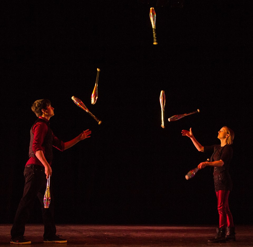 duo jugglers for hire